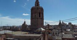 Ático en alquiler en Plaza de la Virgen Valencia