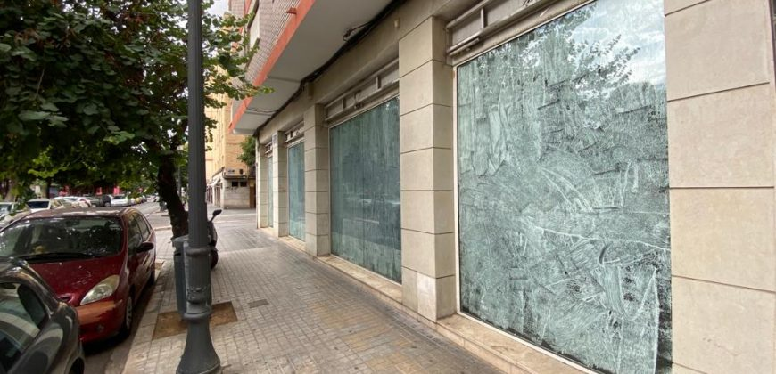 Local comercial en calle Los Leones, 43