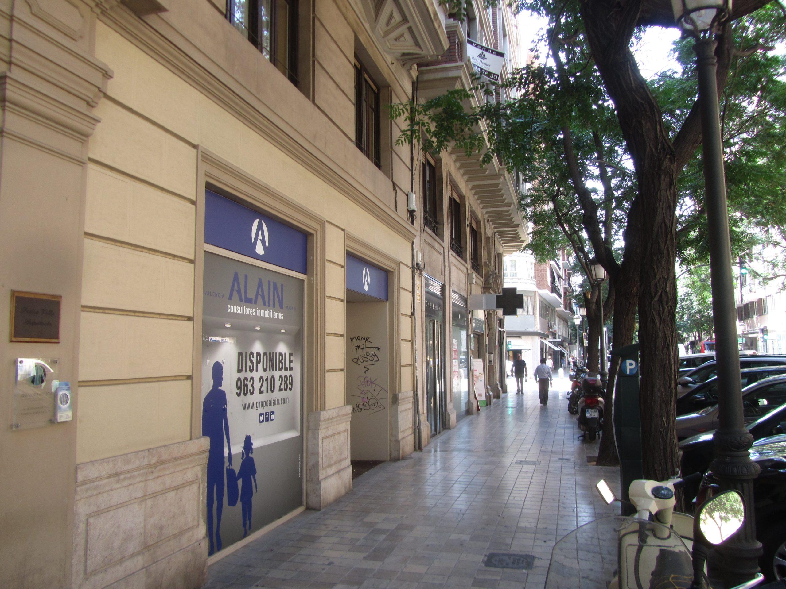 Local comercial Poeta Querol, 3