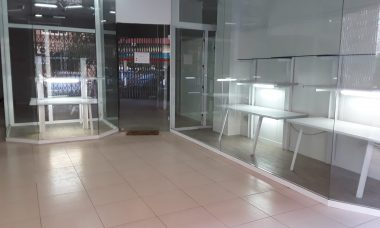Local comercial Pedro de Valencia, 1